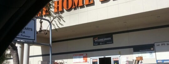 The Home Depot is one of Orte, die Velma gefallen.