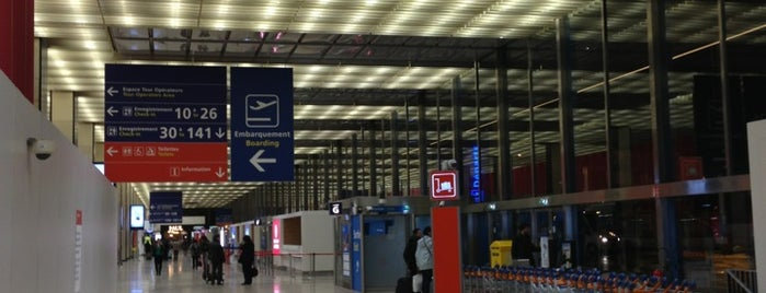 Flughafen Paris-Orly (ORY) is one of Foursquare City Int'l Airport.