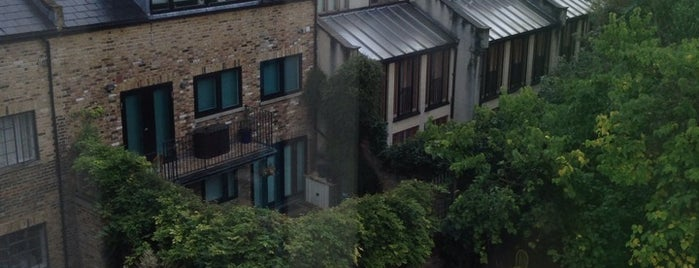 Highbury is one of London's Neighbourhoods & Boroughs.