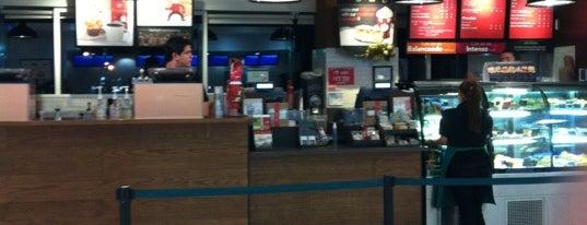 Starbucks is one of Lugares favoritos de Alexis.