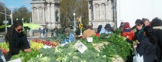 Grand Army Plaza Greenmarket is one of Brooklyn Visitors.