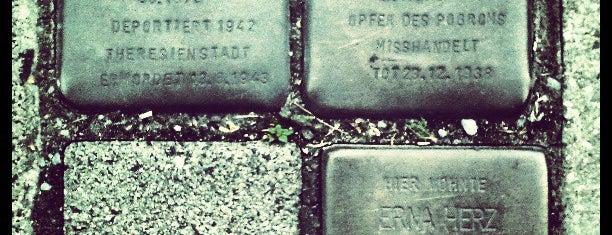 3 Stolpersteine Herz is one of Stolpersteine 1933 - 1945.