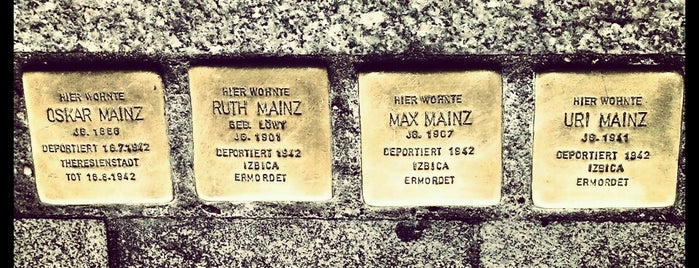 4 Stolpersteine Mainz is one of Stolpersteine 1933 - 1945.