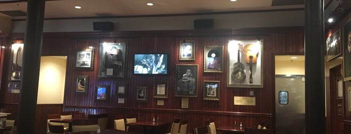 Hard Rock Cafe Indianapolis is one of Orte, die Troy gefallen.