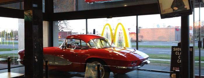 McDonald's is one of สถานที่ที่ James ถูกใจ.