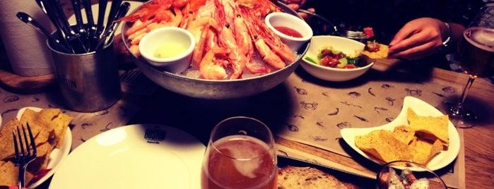 Boston Seafood & Bar is one of Выпить.Посидеть.Опять выпить..