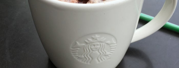 Starbucks is one of Tuğçe 님이 좋아한 장소.