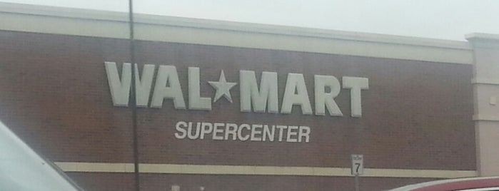 Walmart Supercenter is one of Tempat yang Disukai Shawn.