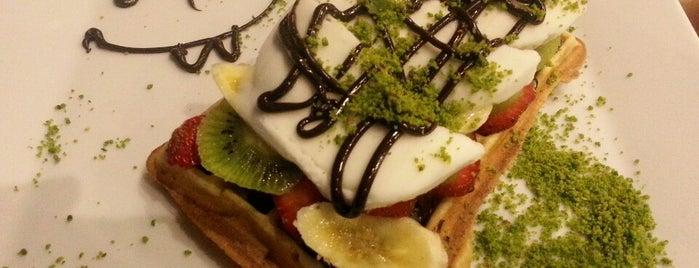 Edem Cafe & Patisserie is one of สถานที่ที่บันทึกไว้ของ Emre.