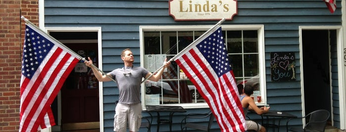 Linda's Bar and Grill is one of Bar Hopping in the Thrill.