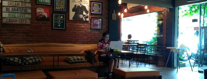 Bulaf Cafe is one of Lugares guardados de Emmanuel.