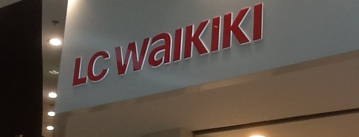 LC Waikiki is one of สถานที่ที่ Annie ถูกใจ.