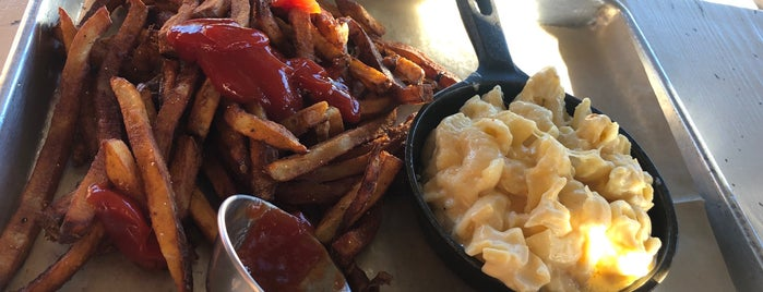 Urban Comfort Restaurant is one of Scottie's Saved Places.