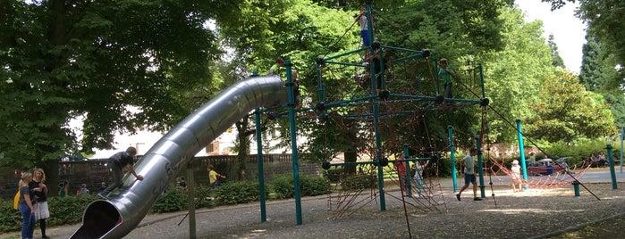 Spielplatz am Ulanenpavillon is one of Lugares favoritos de Florian.