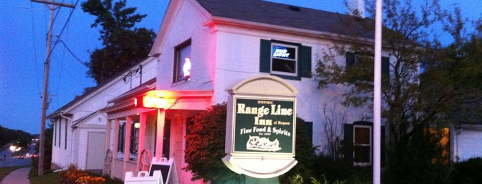 Range Line Inn of Mequon is one of Micahさんの保存済みスポット.