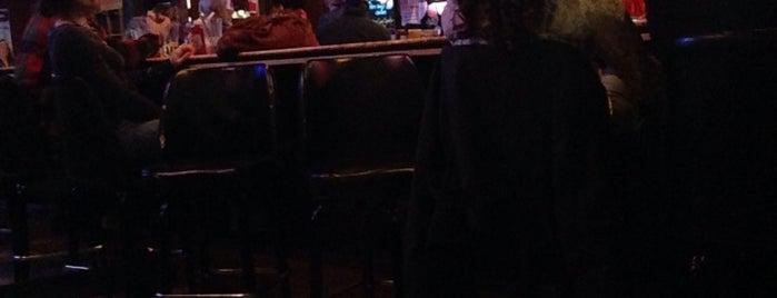 R&R Sports Bar is one of Locais curtidos por Danielle.