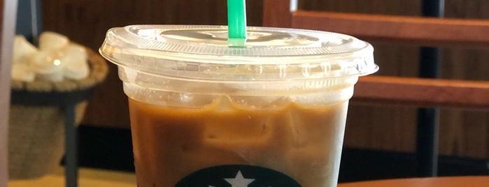 Starbucks is one of Tempat yang Disukai Maggie.