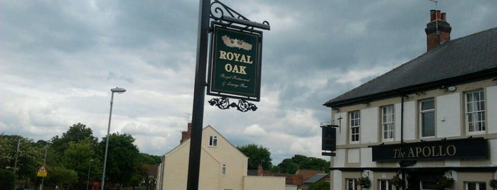 The Royal Oak is one of Orte, die Carl gefallen.