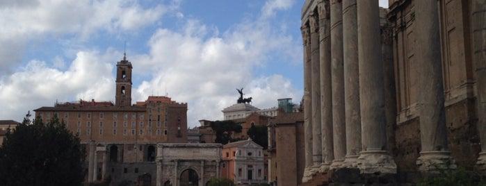 Roma Forumu is one of Amit'in Beğendiği Mekanlar.