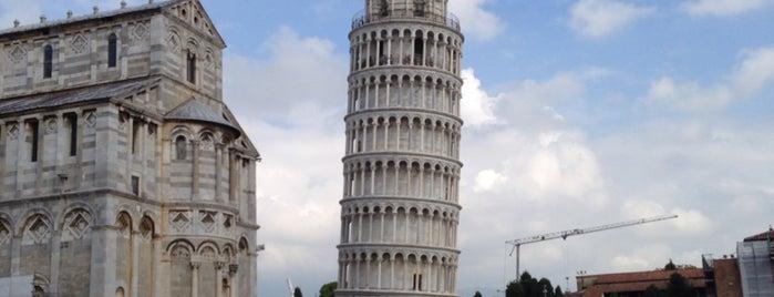 Torre di Pisa is one of Posti che sono piaciuti a Amit.