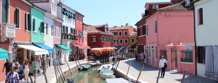 Isola di Burano is one of Tempat yang Disukai Amit.