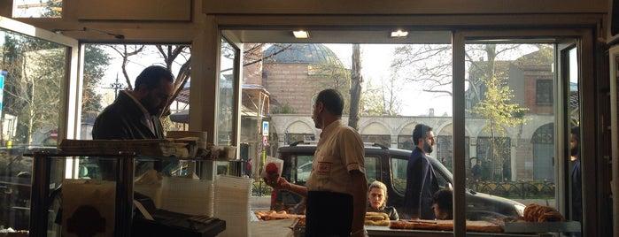 Tarihi Çinili Fırın Börekçisi is one of İstanbul kahvaltı.