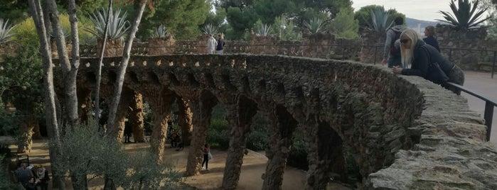 Park Güell is one of Tempat yang Disukai Skip.