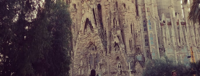 Sagrada Família is one of Tempat yang Disukai Skip.
