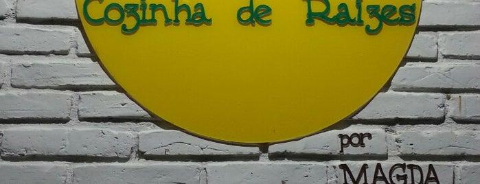 Aipim Cozinha de Raízes por Magda Moraes is one of Tempat yang Disukai Mariana.
