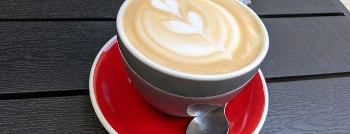 Kaffeine Espresso Bar is one of PEST🙈🍛🍜🌯🎟🎭.