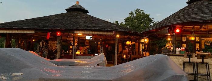 Natural High Bar is one of Locais curtidos por Masahiro.