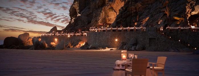 The most romantic retreats in Cabo.
