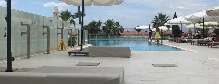 Casa De Playa Luxury Hotel & Beach is one of Posti che sono piaciuti a 🦅ADM SZR🦅.