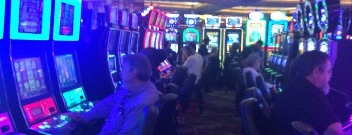 Red Hawk Casino is one of Lieux qui ont plu à Alan.