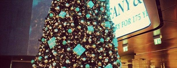 Tiffany & Co. is one of สถานที่ที่ Дарина ถูกใจ.
