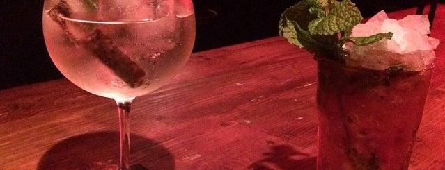 Ultramarinos Hendrick's Bar is one of Barcelona !.