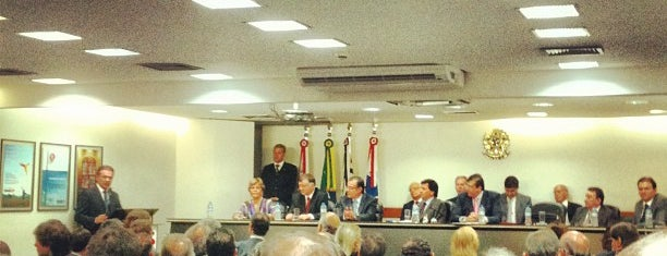 Ordem dos Advogados do Brasil (OAB) is one of Serviço Público.