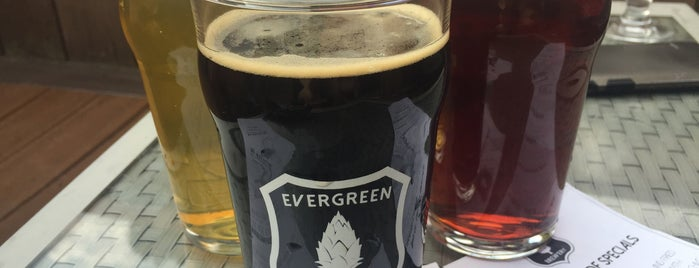 Evergreen Brewery and Tap House is one of Kellyさんのお気に入りスポット.