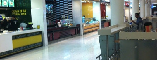 Food Court is one of สถานที่ที่ Shiraz ถูกใจ.