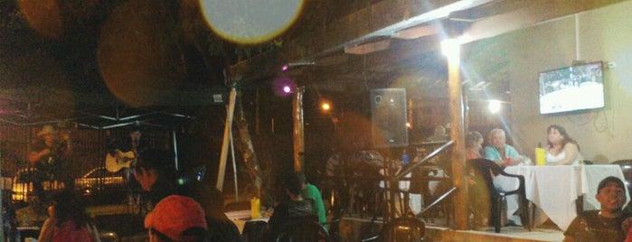 Royall Bar & Chopperia is one of Melhor atendimento.