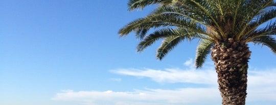 Mayak Beach is one of Tempat yang Disukai Vlad.