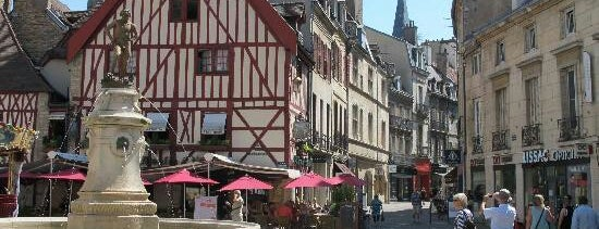 Dijon is one of Lugares favoritos de Alejandra.
