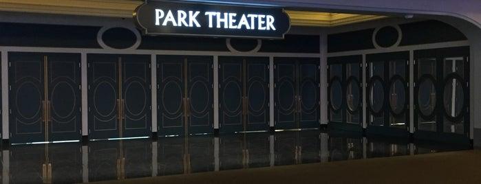 Park Theater is one of Orte, die Carolina gefallen.