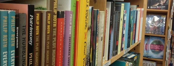 Half Price Books is one of Andrew : понравившиеся места.