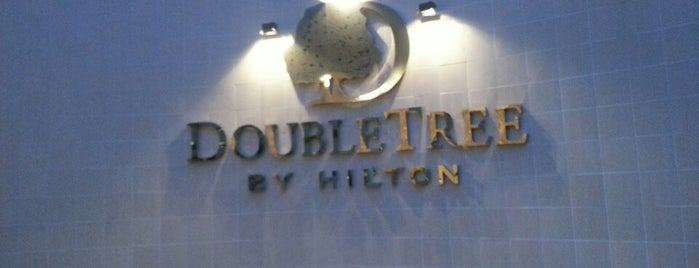DoubleTree by Hilton is one of Lugares favoritos de Mike.