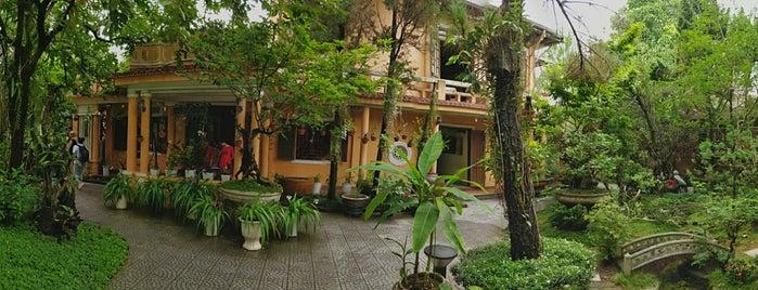 Y Thao Garden is one of Tempat yang Disukai Grayson.