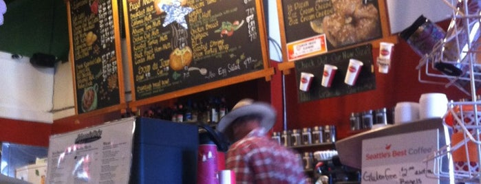 Mandolins Bagel & Coffeehouse is one of Posti salvati di Eric.