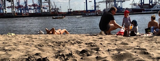 Elbstrand Övelgönne is one of Hamburg 2017.