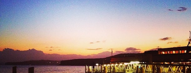 Manly Wharf is one of Tempat yang Disukai Cliverson.