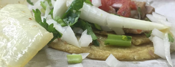 Tacos El Güero De Regina is one of Orte, die Haley gefallen.